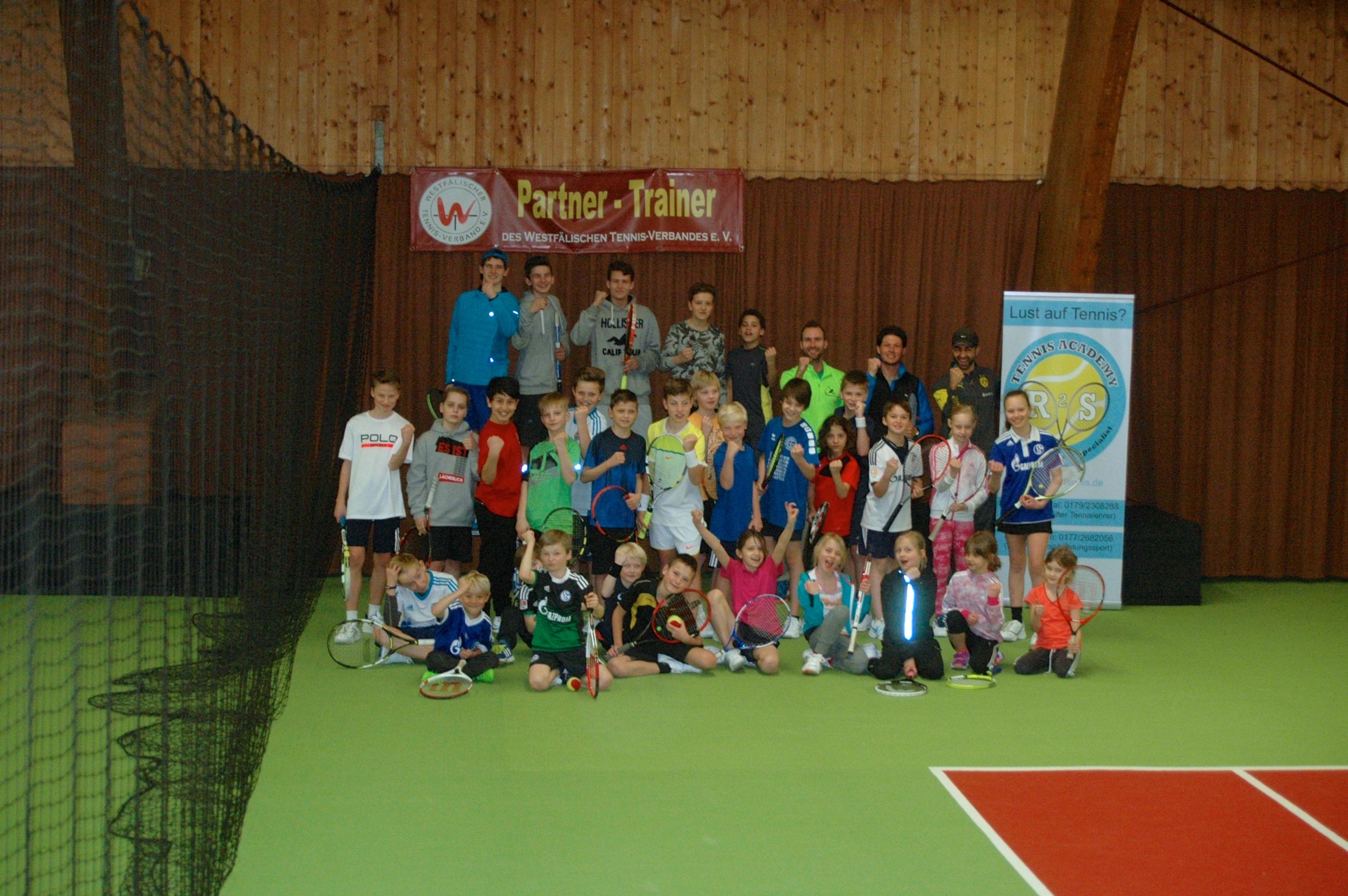 oster tenniscamp 2016 tennis club haus wittringen gladbeck e v. Black Bedroom Furniture Sets. Home Design Ideas